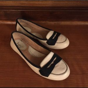 boc leather flat / loafers, size 7